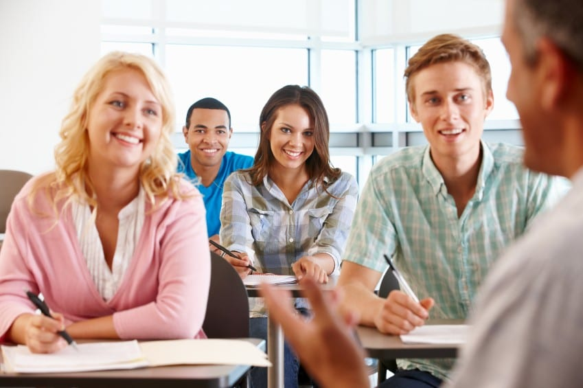 Managing class interaction during a class discussion when teaching a large ESL class